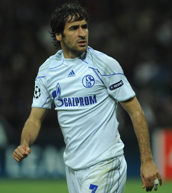 Raúl is currently proving his worth outside of Madrid with Schalke