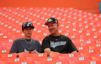 MIAMI GARDENS, FL - APRIL 01:  Florida Marlins fans watch batting practice during opening day against the New York Mets at Sun Life Stadium on April 1, 2011 in Miami Gardens, Florida.  (Photo by Mike Ehrmann/Getty Images)