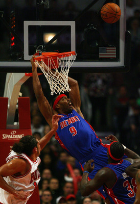 CHICAGO - DECEMBER 02:  Chris Wilcox #9 of the Detroit Pistons misses a dunk against the Chicago Bulls at the United Center on December 2, 2009 in Chicago, Illinois. The Bulls defeated the Pistons 92-85. NOTE TO USER: User expressly acknowledges and agree