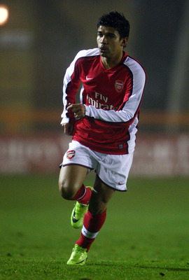 LONDON - DECEMBER 16:  Eduardo of Arsenal runs during the Barclays Premier Reserve League South match between Arsenal Reserves and Portsmouth Reserves at Underhill Stadium on December 16, 2008 in London, England.  (Photo by Jamie McDonald/Getty Images)