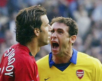 Martin Keown gives van Nistlerooy an earfull
