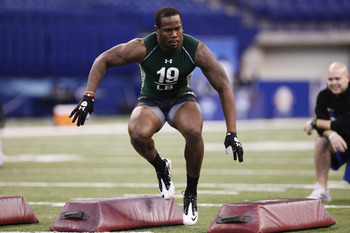 INDIANAPOLIS, IN - FEBRUARY 28: Von Miller of Texas A&M works out during the 2011 NFL Scouting Combine at Lucas Oil Stadium on February 28, 2011 in Indianapolis, Indiana. (Photo by Joe Robbins/Getty Images)