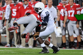 COLUMBUS, OH - NOVEMBER 13:  Malcolm Willis #10 of the Penn State Nittany Lions tackles Dan Herron #1 of the Ohio State Buckeyes at Ohio Stadium on November 13, 2010 in Columbus, Ohio.  (Photo by Jamie Sabau/Getty Images)