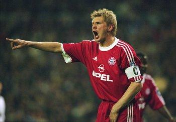 1 May 2001:  Stefan Effenberg of Bayern Munich controls the midfield during the UEFA Champions League Semi-Final first leg match against Real Madrid played at the Bernabeu, in Madrid, Spain. Bayern Munich won the match 1-0. \ Mandatory Credit: Stu Forster