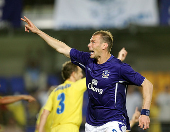 VILLARREAL, SPAIN- AUGUST 24 : Duncan Ferguson of Everton celebrates a goal before it is disallowed during the UEFA Champions League third qualifying round, second leg match between Villarreal and Everton at Madrigal Stadium on August 24, 2005 in Villarre