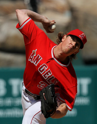 ANAHEIM, CA - APRIL 10:  Jered Weaver #36 of the Los Angeles Angels of Anaheim throws a pitch against the Toronto Blue Jays on April 10, 2011 at Angel Stadium in Anaheim, California. The Angels won 3-1.  (Photo by Stephen Dunn/Getty Images)