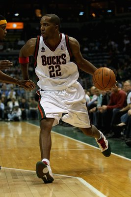 MILWAUKEE - NOVEMBER 14: Michael Redd #22 of the Milwaukee Bucks drives to the basket during the game against the Memphis Grizzlies on November 14, 2007 at the Bradley Center in Milwaukee, Wisconsin.  The Bucks won 102-99.  NOTE TO USER: User expressly ac