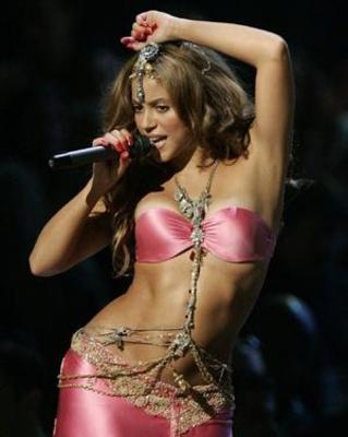 Shakira-8_display_image