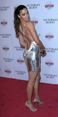Adriana-lima-red-carpet_display_image