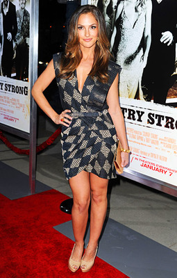 Minka-kelly-red-carpet_display_image