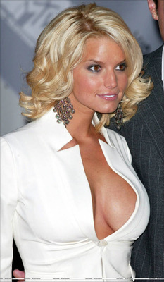 Jessica-simpson-dressed-up_display_image