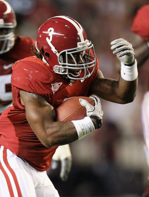 TUSCALOOSA, AL - OCTOBER 16:  Trent Richardson #3 of the Alabama Crimson Tide rushes upfield against the Ole Miss Rebels at Bryant-Denny Stadium on October 16, 2010 in Tuscaloosa, Alabama.  (Photo by Kevin C. Cox/Getty Images)
