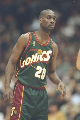 3 Dec 1996:  Guard Gary Payton of the Seattle Supersonics dribbles the ball down the court during a game against the Los Angeles Lakers at the Great Western Forum in Inglewood, California.  The Lakers won the game 110-106. Mandatory Credit: Stephen Dunn