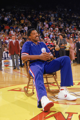 LOS ANGELES - 1987:  Julius Erving #6 of the Philadelphia 76ers receives a standing ovation before playing the final game of his career against the Los Angeles Lakers, which happened to be at the Great Western Forum in Los Angeles, California in 1987.  (P