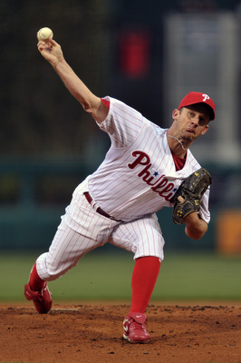 PHILADELPHIA, PA - APRIL 15: Starting pitcher Roy Oswalt #44 of the Philadelphia Phillies delivers a pitch during the game against the Florida Marlins at Citizens Bank Park on April 15, 2011 in Philadelphia, Pennsylvania. (Photo by Drew Hallowell/Getty Im