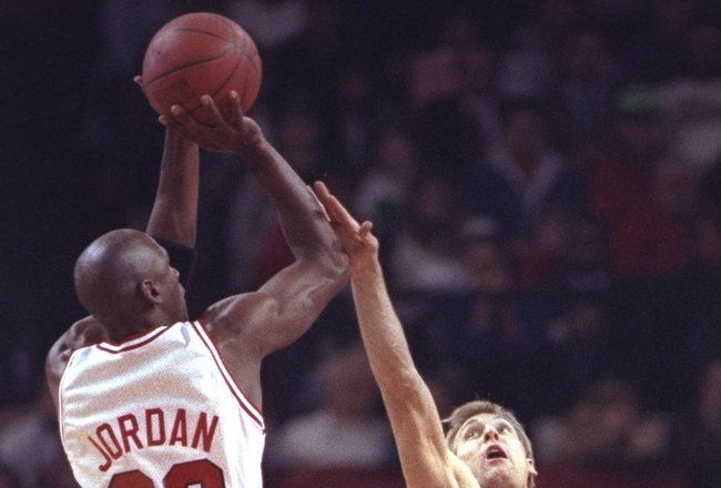 17 Feb 1992:  Guard Michael Jordan of the Chicago Bulls takes a shot during a game against the Cleveland Cavaliers at the United Center in Chicago, Illinois. Mandatory Credit: Jonathan Daniel  /Allsport