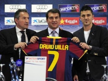 David-villa-barca-introduction-laporta-getty_display_image