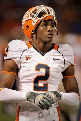 MINNEAPOLIS, MN - NOVEMBER 03:  Linebacker Martez Wilson #2 of the Illinois Fighting Illini on the bench against the Minnesota Golden at the Hubert H. Humphrey Metrodome on November 3, 2007 in Minneapolis, Minnesota. Illinois defeated Minnesota 44-17.  (P