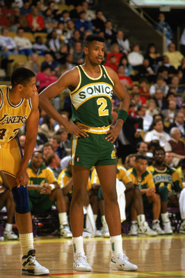 LOS ANGELES - 1990:  Brad Sellers #2 of the Seattle Supersonics stands on the line as he waits for a pair of free-throws during a game against the Los Angeles Lakers in the 1989-1990 NBA season at the Great Western Forum in Los Angeles, California.  (Phot