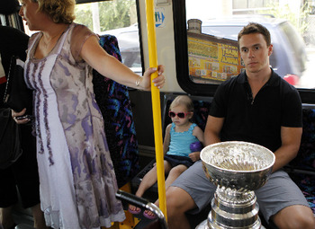 Jonathan-toews-mother_display_image