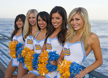 Ucla-cheerleaders_display_image