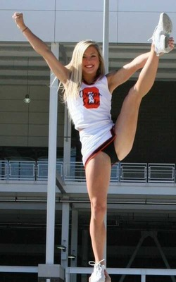 Oregon-state-cheerleader_display_image