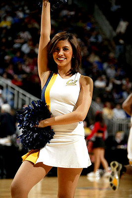 Cal-golden-bears-cheerleader_display_image