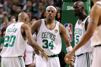 BOSTON - JUNE 10:  (L-R) Ray Allen #20, Paul Pierce #34 and Kevin Garnett #5 of the Boston Celltics react against the Los Angeles Lakers during Game Four of the 2010 NBA Finals on June 10, 2010 at TD Garden in Boston, Massachusetts. NOTE TO USER: User exp
