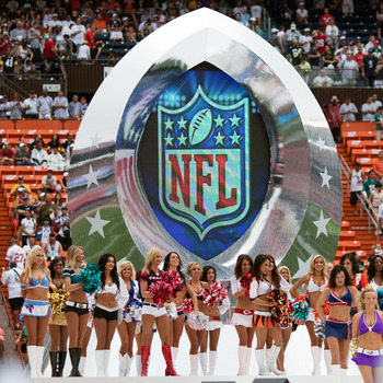 HONOLULU - JANUARY 30: The NFL Pro Bowl Cheerleaders during the 2011 NFL Pro Bowl pre-game between the American Football Conference (AFC) and National Football Conference (NFC) at Aloha Stadium at Aloha Stadium on January 30, 2011 in Honolulu, Hawaii.  (P
