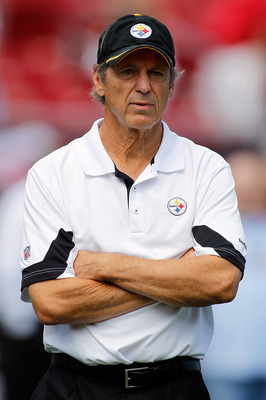 TAMPA, FL - SEPTEMBER 26:  Defensive coordinator Dick LeBeau of the Pittsburgh Steelers watches his team play the Tampa Bay Buccaneers during their game at Raymond James Stadium on September 26, 2010 in Tampa, Florida.  (Photo by J. Meric/Getty Images)