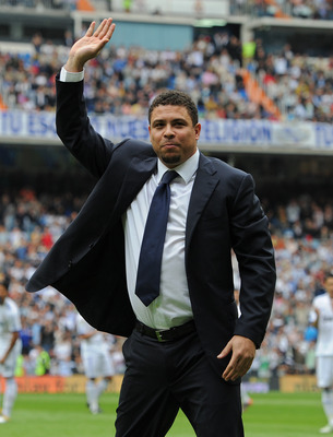 MADRID, SPAIN - APRIL 02:  Former Brazilian international Ronaldo acknowledges the crowd prior to the start of the la Liga match between Real Madrid and Sporting Gijon  at Estadio Santiago Bernabeu on April 2, 2011 in Madrid, Spain.  (Photo by Jasper Juin