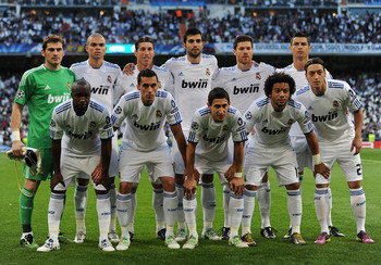 MADRID, SPAIN - APRIL 27:  Real Madrid players pose for a team picture during the start of the UEFA Champions League Semi Final first leg match between Real Madrid and Barcelona at the Estadio Santiago Bernabeu on April 27, 2011 in Madrid, Spain.  (Photo