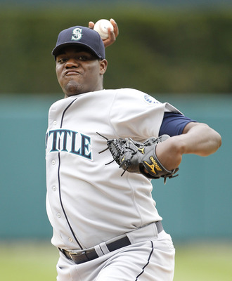 DETROIT - APRIL 28:  Michael Pineda #36 of the Seattle Mariners warms up prior to the start of the fifth inning during the game against the Detroit Tigers at Comerica Park on April 28, 2011 in Detroit, Michigan. The Mariners defeated the tigers 7-2.  (Pho