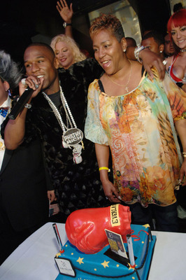 Floyd-mayweather-mother_display_image
