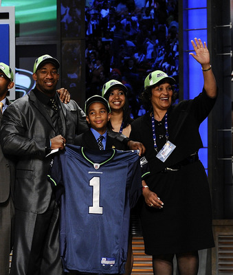 NEW YORK - APRIL 25:  Seattle Seahawks draft pick Aaron Curry poses with his family at Radio City Music Hall for the 2009 NFL Draft on April 25, 2009 in New York City  (Photo by Jeff Zelevansky/Getty Images)