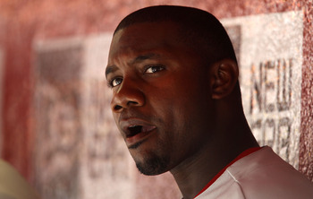 PHOENIX, AZ - APRIL 27:  Ryan Howard #6 of the Philadelphia Phillies during the Major League Baseball game against the Arizona Diamondbacks at Chase Field on April 27, 2011 in Phoenix, Arizona.  The Phillies defeated the Diamondbacks 8-4.  (Photo by Chris