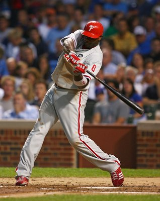 CHICAGO - AUGUST 12: Ryan Howard #6 of the Philadelphia Phillies takes a swing against the Chicago Cubs on August 12, 2009 at Wrigley Field in Chicago, Illinois. The Phillies defeated the Cubs 12-5. (Photo by Jonathan Daniel/Getty Images)