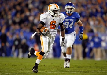 LEXINGTON, KY - NOVEMBER 28:  Denarius Moore #6  of the Tennessee Volunteers runs with the ball during the SEC game against the Kentucky Wildcats at Commonwealth Stadium on November 28, 2009 in Lexington, Kentucky.  (Photo by Andy Lyons/Getty Images)