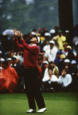 AUGUSTA,GA - APRIL 9: Scott Hoch of USA misses a key putt on the 10th hole during the play off after the final round of the Masters, held at The Augusta National Golf Club on April 9, 1989  in Augusta, GA.  (Photo by David Cannon/Getty Images)