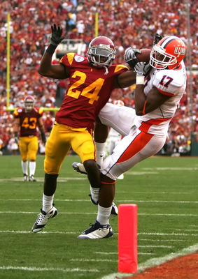 PASADENA, CA - JANUARY 01:  Shareece Wright #24 of the USC Trojans is call for pass interference of Jeff Cumberland #17 of the Illinois Fighting Illini during the first half of the 'Rose Bowl presented by Citi' at the Rose Bowl on January 1, 2008 in Pasad