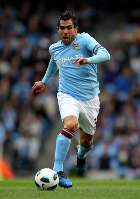 MANCHESTER, ENGLAND - APRIL 03:  Carlos Tevez of Manchester City in action during the Barclays Premier League match between Manchester City and Sunderland at the City of Manchester Stadium on April 3, 2011 in Manchester, England.  (Photo by Alex Livesey/G