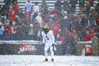 CINCINNATI, OH - DECEMBER 04:  Cameron Saddler #5 of the Pittsburgh Panthers waits to field a punt during the Big East Conference game against the Cincinnati Bearcats at Nippert Stadium on December 4, 2010 in Cincinnati, Ohio.  Pittsburgh won 28-10.  (Pho