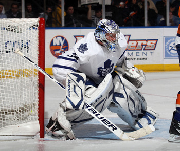 UNIONDALE, NY - MARCH 08:  James Reimer #34 of the Toronto Maple Leafs tends net against the New York Islanders at the Nassau Coliseum on March 8, 2011 in Uniondale, New York. The Islanders defeated the Leafs 4-3 in overtime.  (Photo by Bruce Bennett/Gett