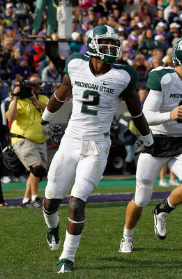 EVANSTON, IL - OCTOBER 23: Mark Dell #2 of the Michigan State Spartans celebrates a touchdown against the Northwestern Wildcats at Ryan Field on October 23, 2010 in Evanston, Illinois. Michigan State defeated Northwestern 35-27. (Photo by Jonathan Daniel/