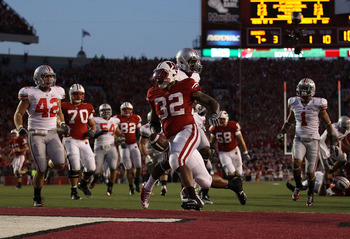 MADISON, WI - OCTOBER 16: John Clay #32 of the Wisconsin Badgers scores a touchdown against the Ohio State Buckeyes at Camp Randall Stadium on October 16, 2010 in Madison, Wisconsin. Wisconsin defeated Ohio State 31-18. (Photo by Jonathan Daniel/Getty Ima