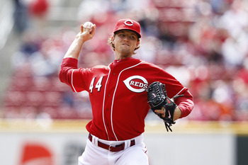 CINCINNATI, OH - APRIL 21: Mike Leake #44 of the Cincinnati Reds pitches in the first inning against the Arizona Diamondbacks at Great American Ball Park on April 21, 2011 in Cincinnati, Ohio. (Photo by Joe Robbins/Getty Images)