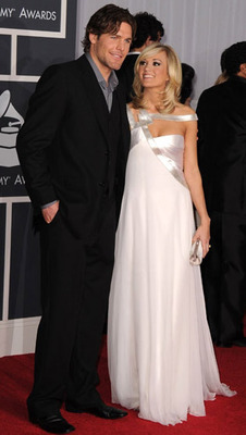 Carrie-underwood-mike-fisher-grammys_display_image