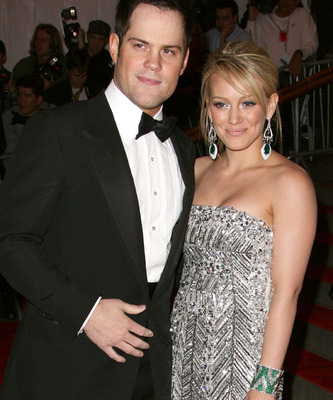 Hilary-duff-mike-comrie_display_image