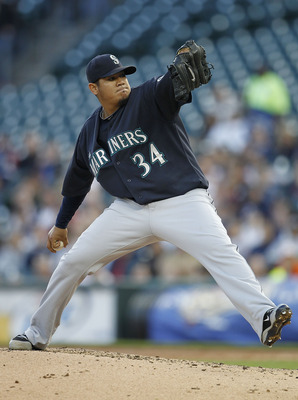 DETROIT - APRIL 26:  Felix Hernandez #34 of the Seattle Mariners pitches in the third inning of the game against the Detroit Tigers at Comerica Park on April 26, 2011 in Detroit, Michigan. The Mariners defeated the Tigers 7-3. (Photo by Leon Halip/Getty I