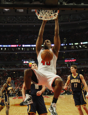CHICAGO, IL - APRIL 16: Kurt Thomas #40 of the Chicago Bulls dunks the ball against the Indiana Pacers in Game One of the Eastern Conference Quarterfinals in the 2011 NBA Playoffs at the United Center on April 16, 2011 in Chicago, Illinois. The Bulls defe
